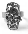 Zilverkleurige ring met schedel